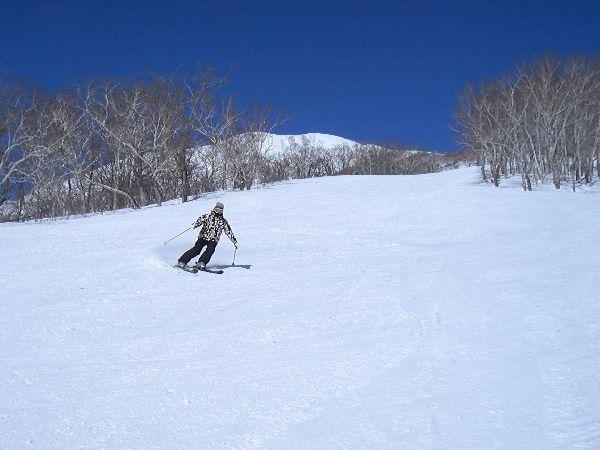 北海道スキー場積雪・ゲレンデ・リフト券・天気・パウダー・バックカントリー情報を発信!更に北海道のホテル宿泊・レストラン・スイーツ・日帰り温泉やイベント情報なども掲載しています